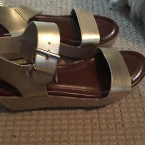 Mossimo Nonie Gold Espadrilles Sandals Pre owned